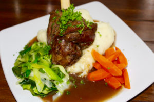 Easter Recipe ideas, Slow Cooker Lamb Shank, lamb shank in Guinness and red onion